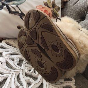 UGG Shoes - Ugg Furry Sheepskin Boots Woman's 7
